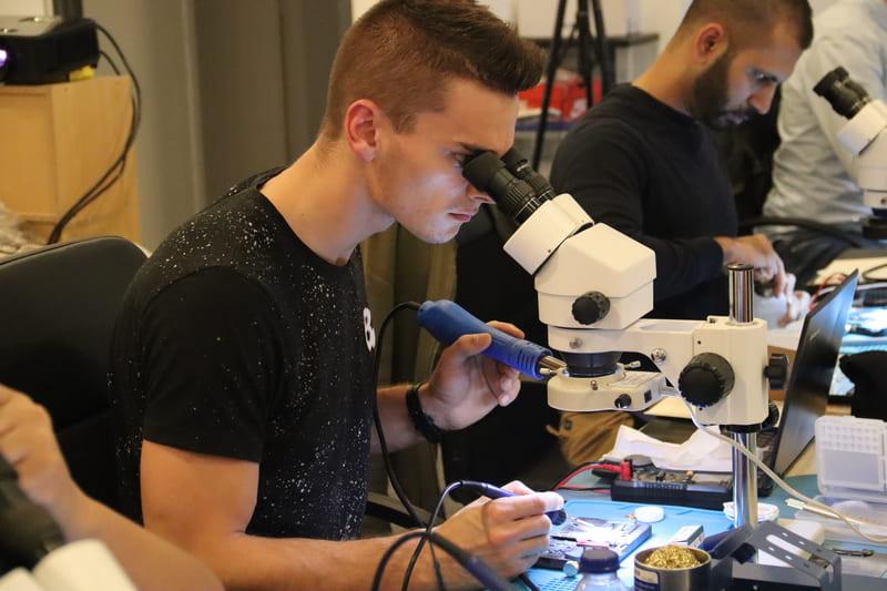 formation élève microscope